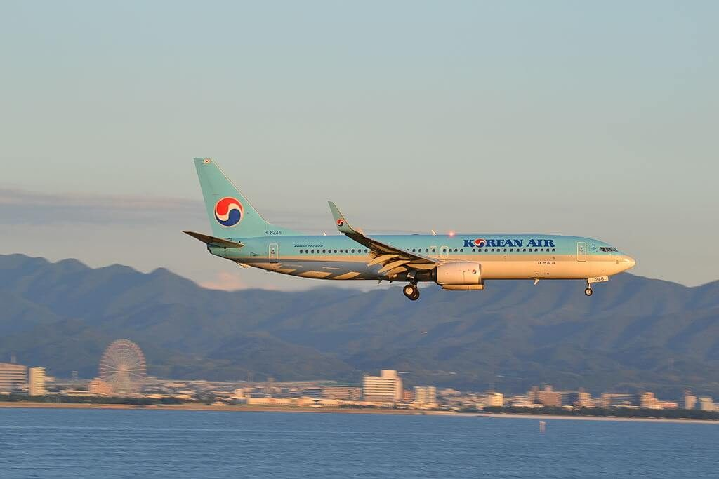 Boeing 737 8SHWL HL8246 Korean Air at Kansai International Airport