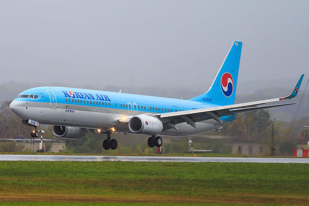 Boeing 737 9B5ERWL HL8249 Korean Air at Vladivostok Airport
