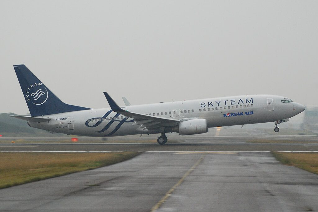 Korean Air Boeing 737 8B5WL HL7560 SKYTEAM Livery