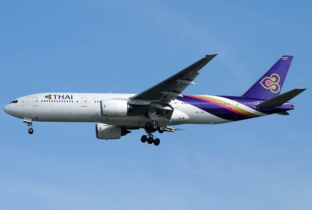 THAI Airways Boeing 777 2D7 HS TJH Suphan Buri สุพรรณบุรี at Singapore Changi Airport