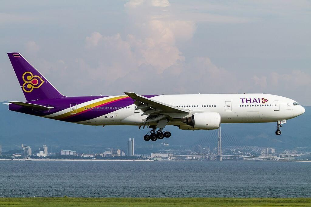 THAI Airways Boeing 777 2D7ER HS TJR Nakhon Sawan นครสวรรค์ at Kansai International Airport