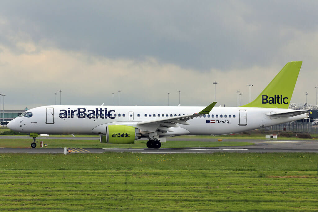 Airbus A220 300 YL AAQ CS300 airBaltic