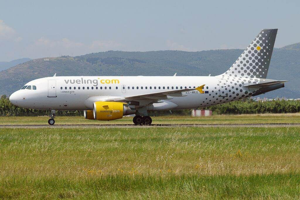 Airbus A319 112 EC MKX Vueling Airlines at Peretola Airport