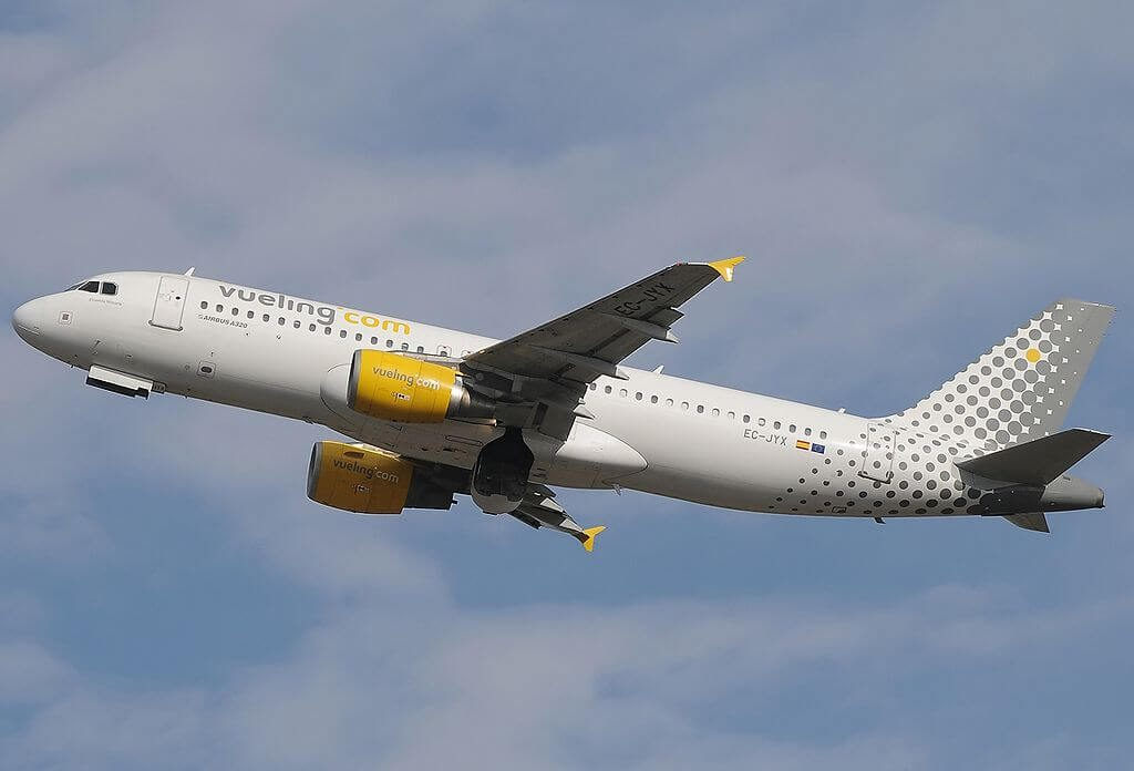 Airbus A320 214 EC JYX Vueling Airlines at Fiumicino Airport