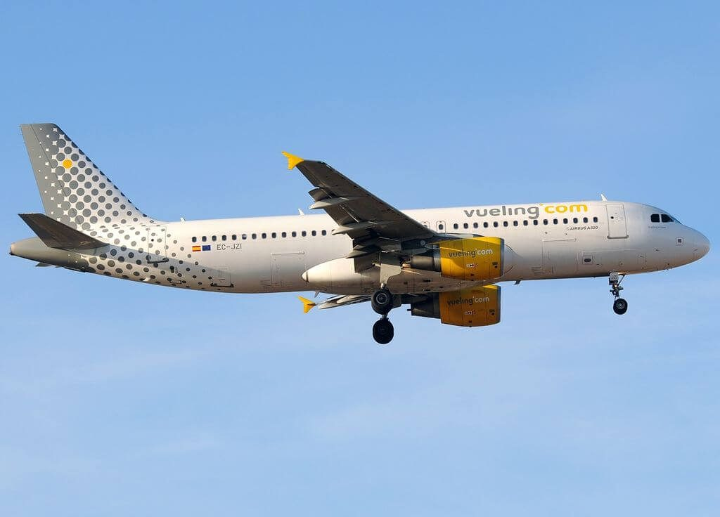 Airbus A320 214 EC JZI Vueling Airlines at Málaga Airport