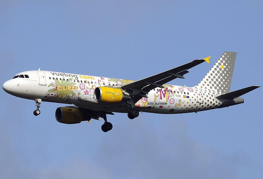 Airbus A320 214 EC KDH MTV Livery Vueling Airlines at Fiumicino Airport