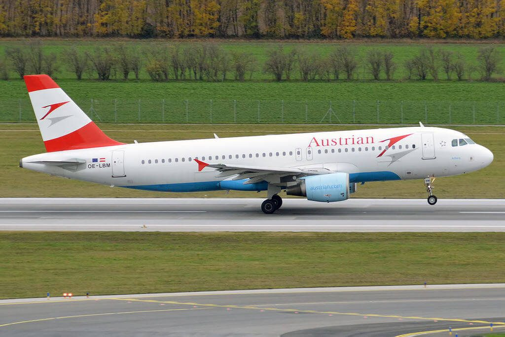 Airbus A320 214 OE LBM Arlberg Austrian Airlines at Vienna International Airport