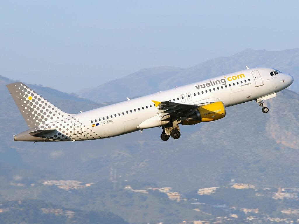 Airbus A320 216 EC KDX Vueling Airlines at Málaga Airport