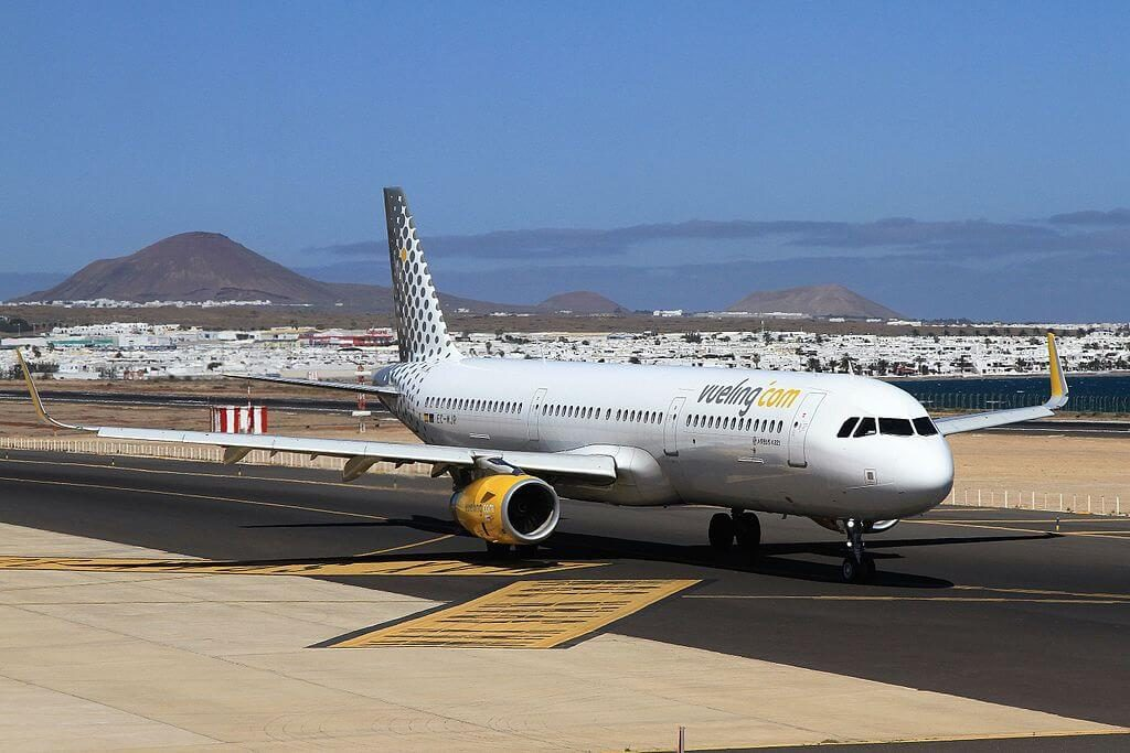 Airbus A321 231WL EC MJR Vueling Airlines at Lanzarote Airport