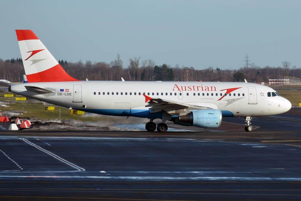 Austrian Airlines Airbus A319 112 OE LDE Baku at Tallinn Airport