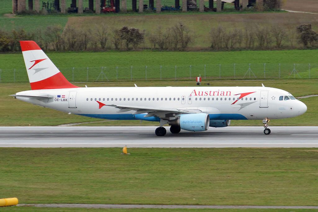 Austrian Airlines Airbus A320 214 OE LBK Steirisches Thermenland at Vienna International Airport