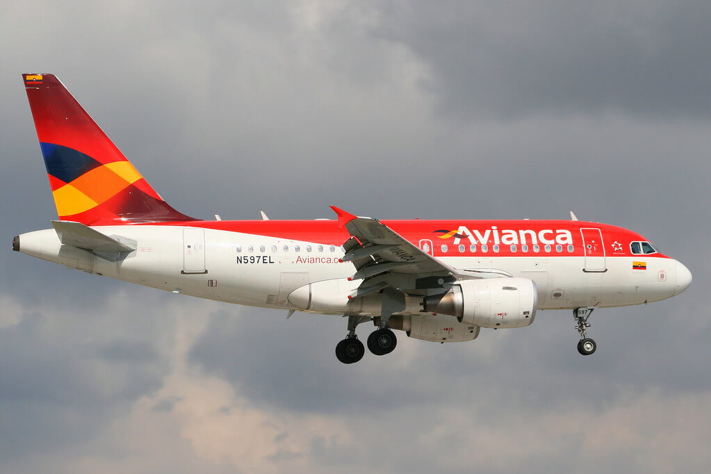Avianca Airbus A318 112 N597EL