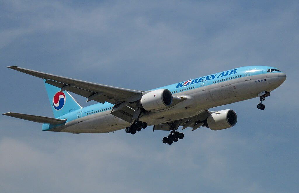 Boeing 777 2B5ER HL7751 Korean Air at Beijing Capital International Airport
