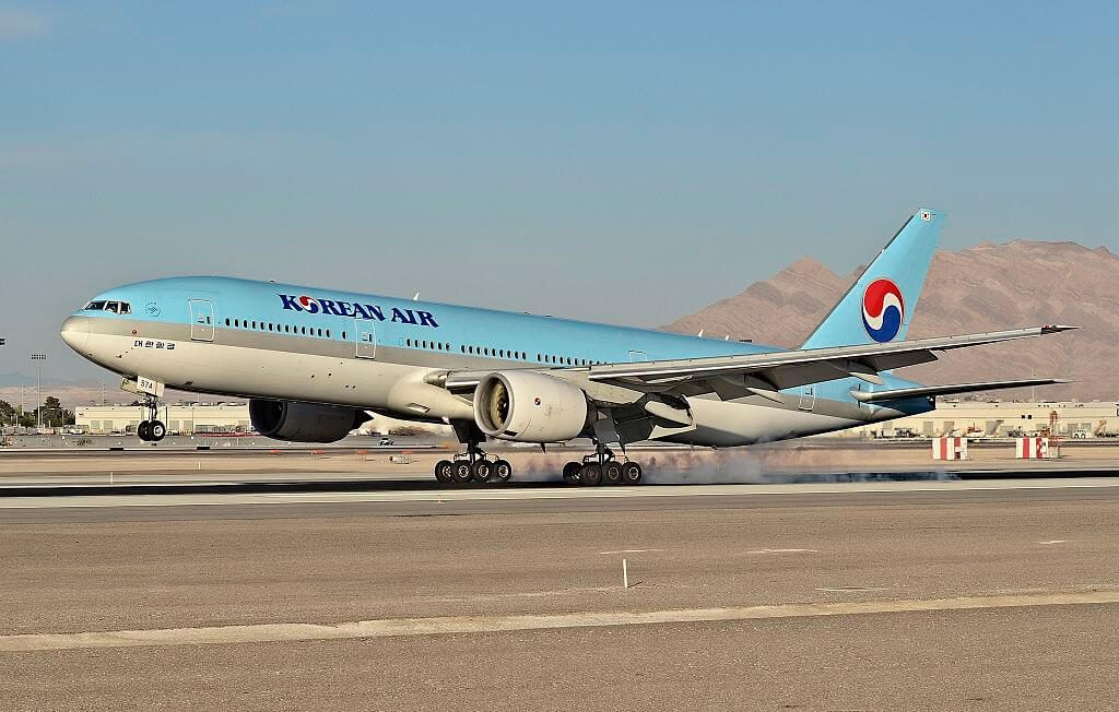 Boeing 777 2B5ER Korean Air HL7574 at McCarran International Airport