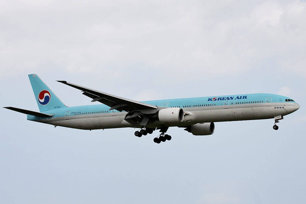 Boeing 777 3B5 HL7534 Korean Air at Narita International Airport