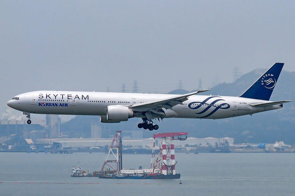Boeing 777 3B5ER HL7783 SKYTEAM Livery Korean Air at Hong Kong International Airport