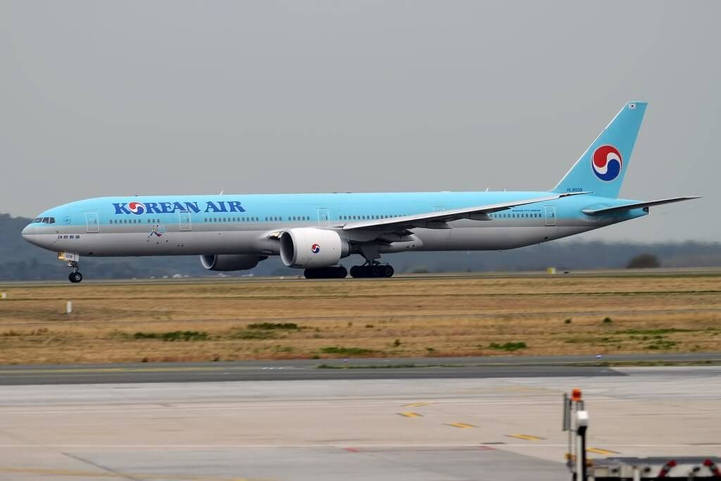Boeing 777 3B5ER HL8008 Korean Air at Paris Charles de Gaulle Airport