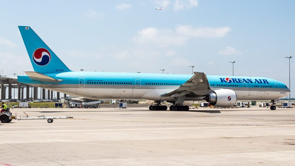 Boeing 777 3B5ER Korean Air HL7202 at Dallas Fort Worth International Airport
