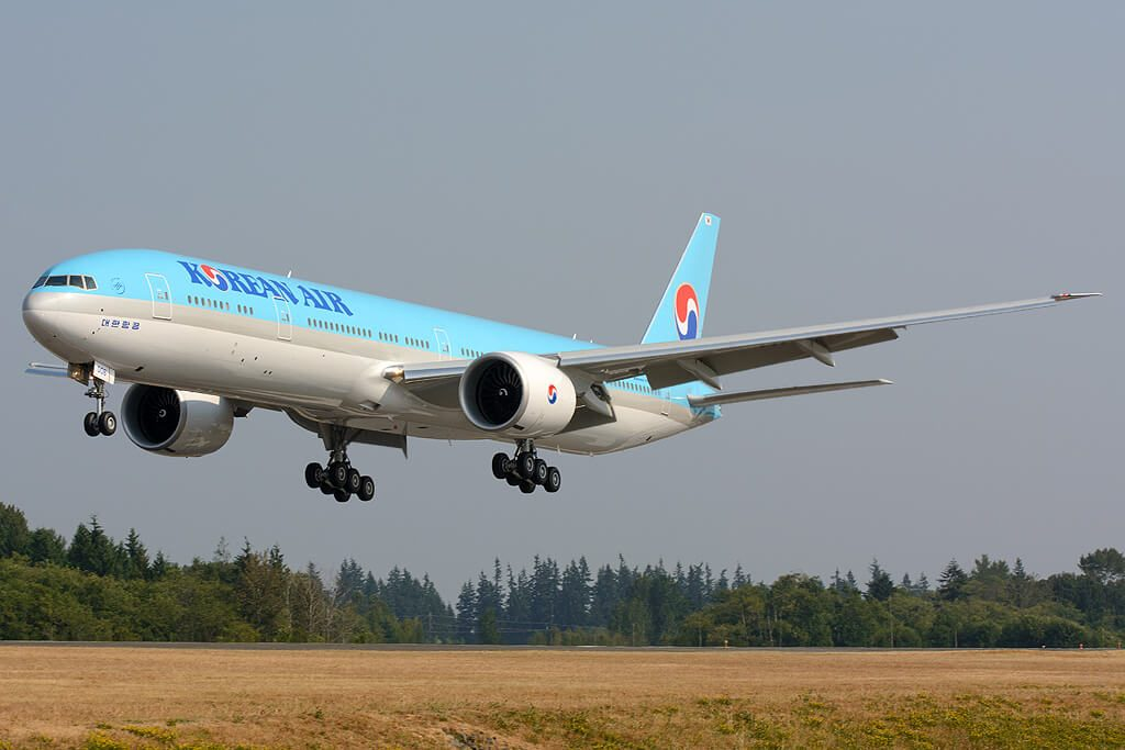Boeing 777 3B5ER Korean Air HL8006
