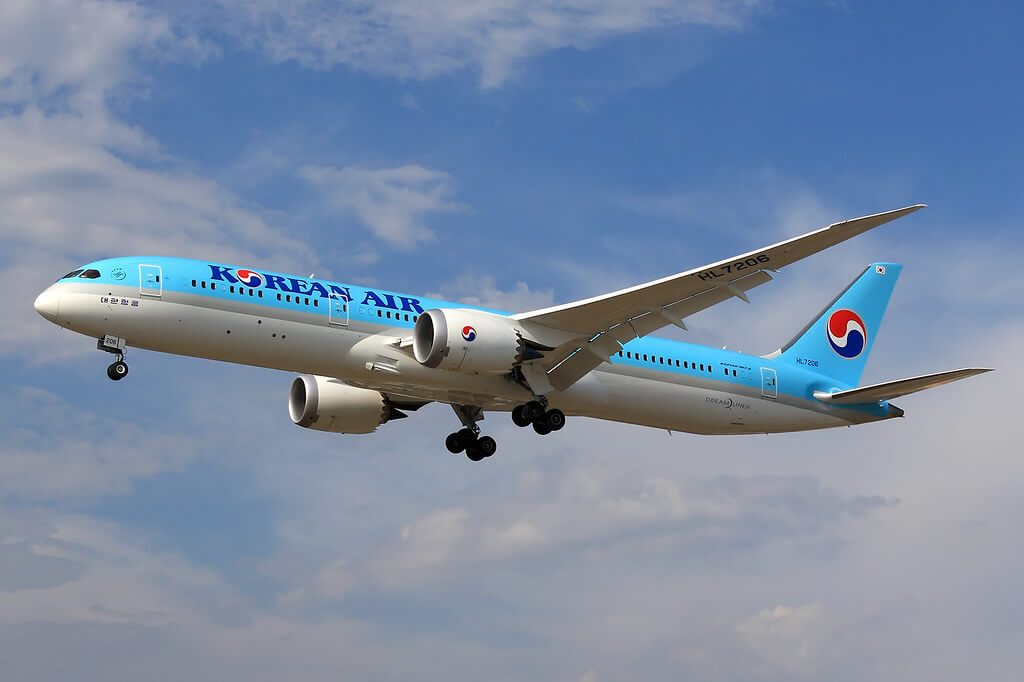 Boeing 787 9 Dreamliner Korean Air HL7206 at Zurich Airport