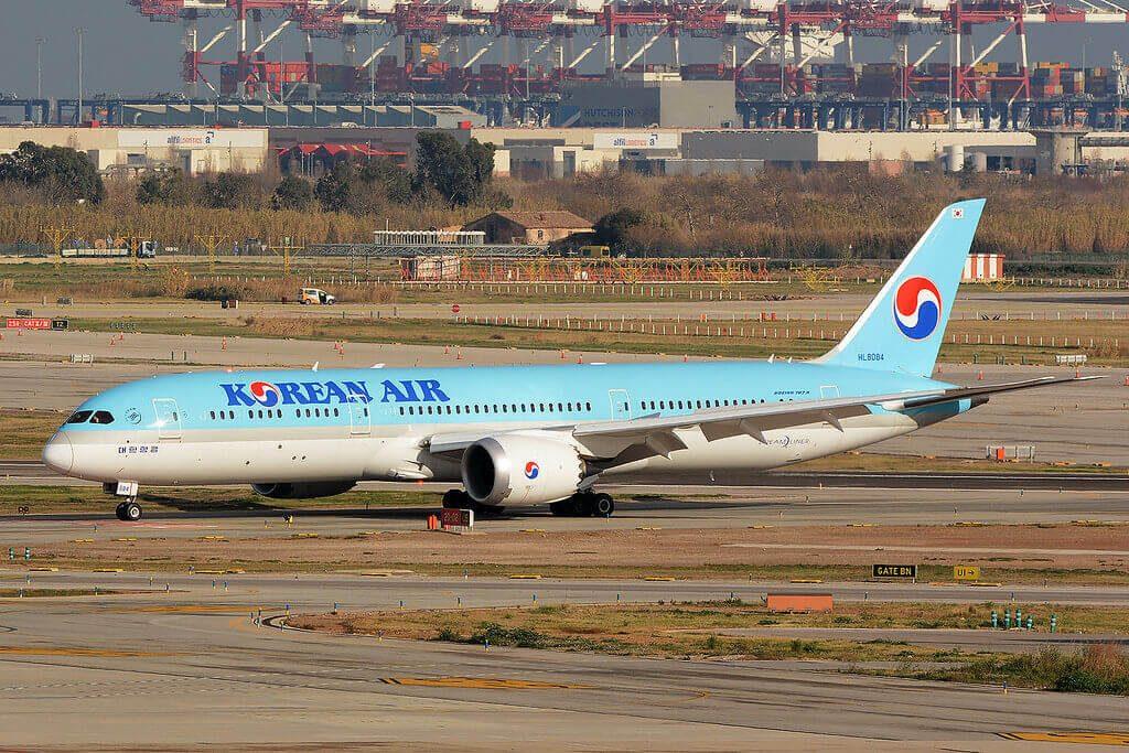 Boeing 787 9 Dreamliner Korean Air HL8084 at Josep Tarradellas Barcelona El Prat Airport
