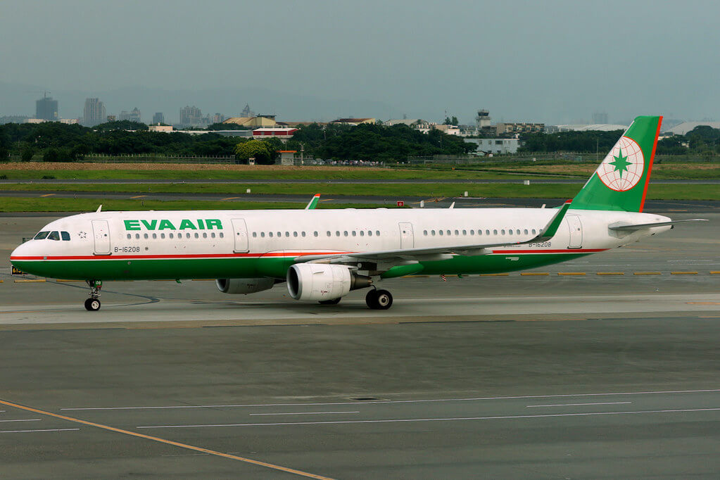 EVA Air Airbus A321 211WL B 16208 at Taipei Taoyuan International Airport