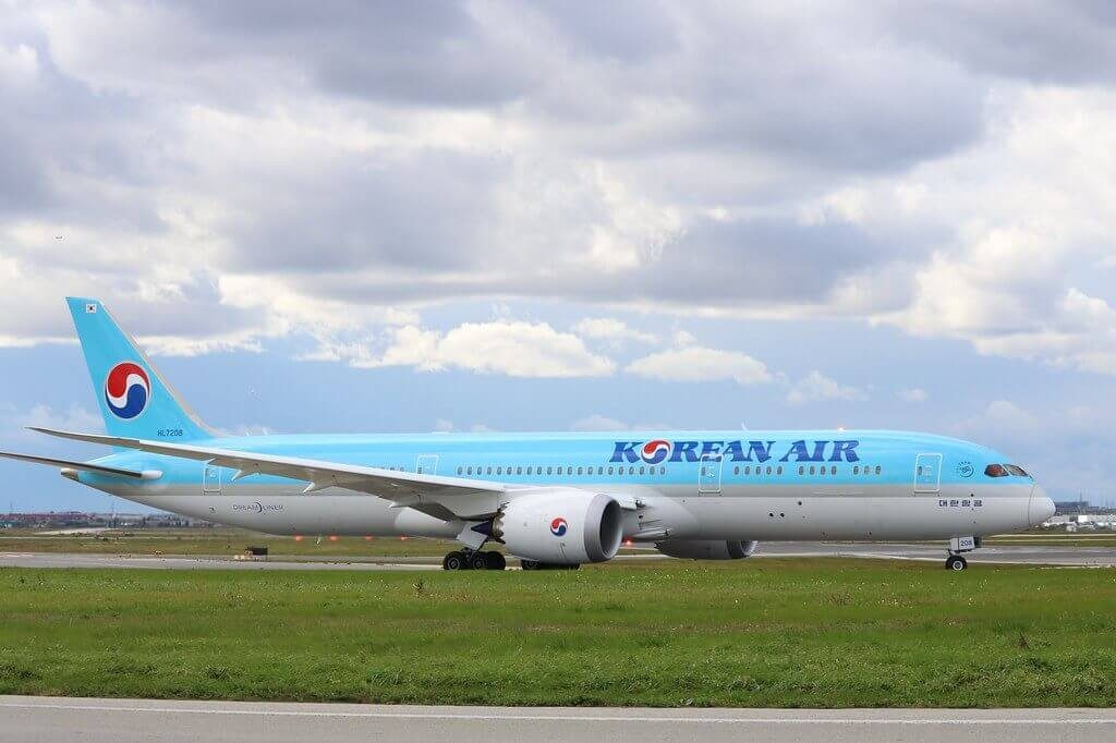 Korean Air Boeing 787 9 Dreamliner HL7208 at Toronto Pearson International Airport