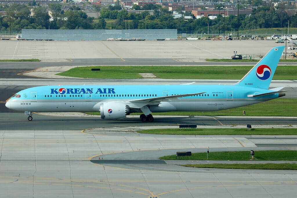 Korean Air Boeing 787 9 Dreamliner HL8082 at Toronto Pearson YYZ