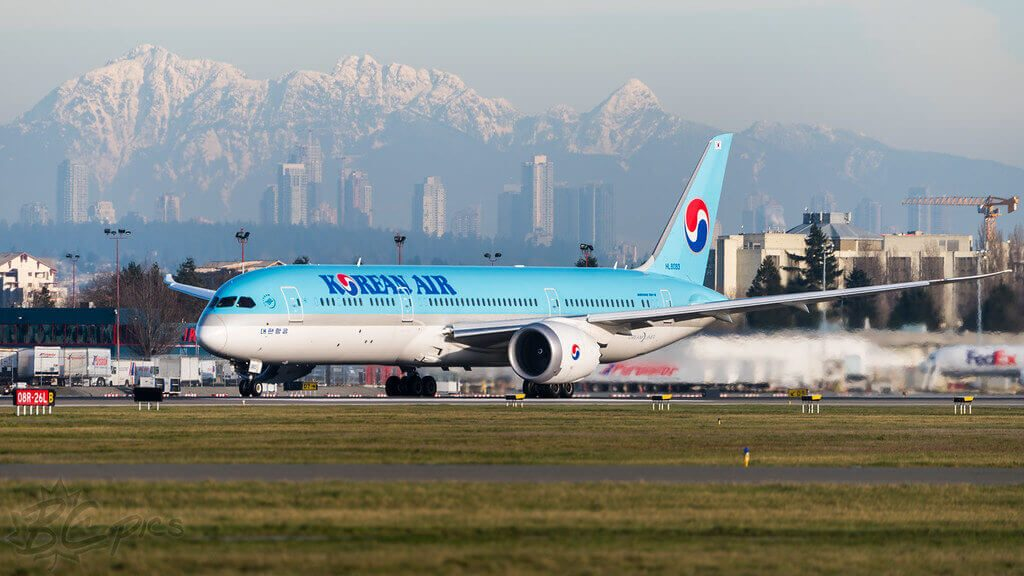 Korean Air Boeing 787 9 Dreamliner HL8083 at Vancouver International Airport