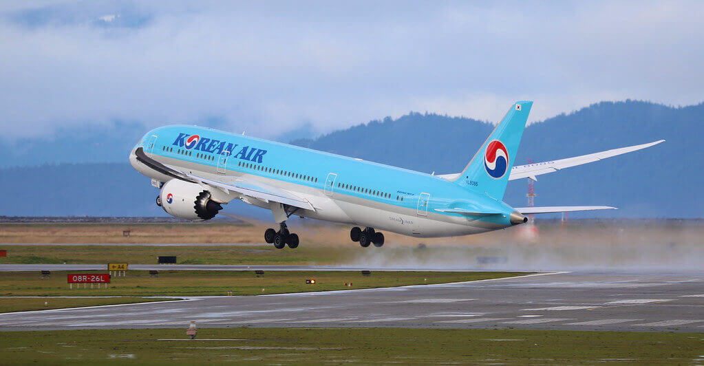 Korean Air Boeing 787 9 Dreamliner HL8085 at Vancouver International Airport
