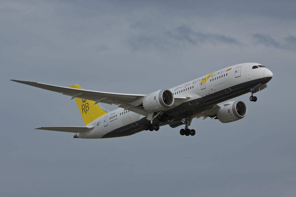 Royal Brunei Boeing 787 8 Dreamliner V8 DLD at London Heathrow Airport