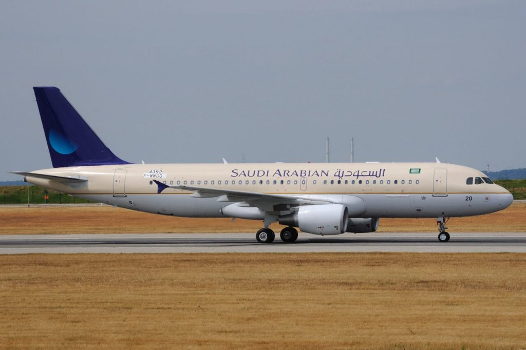 Saudia Airbus A320 214 HZ AS35