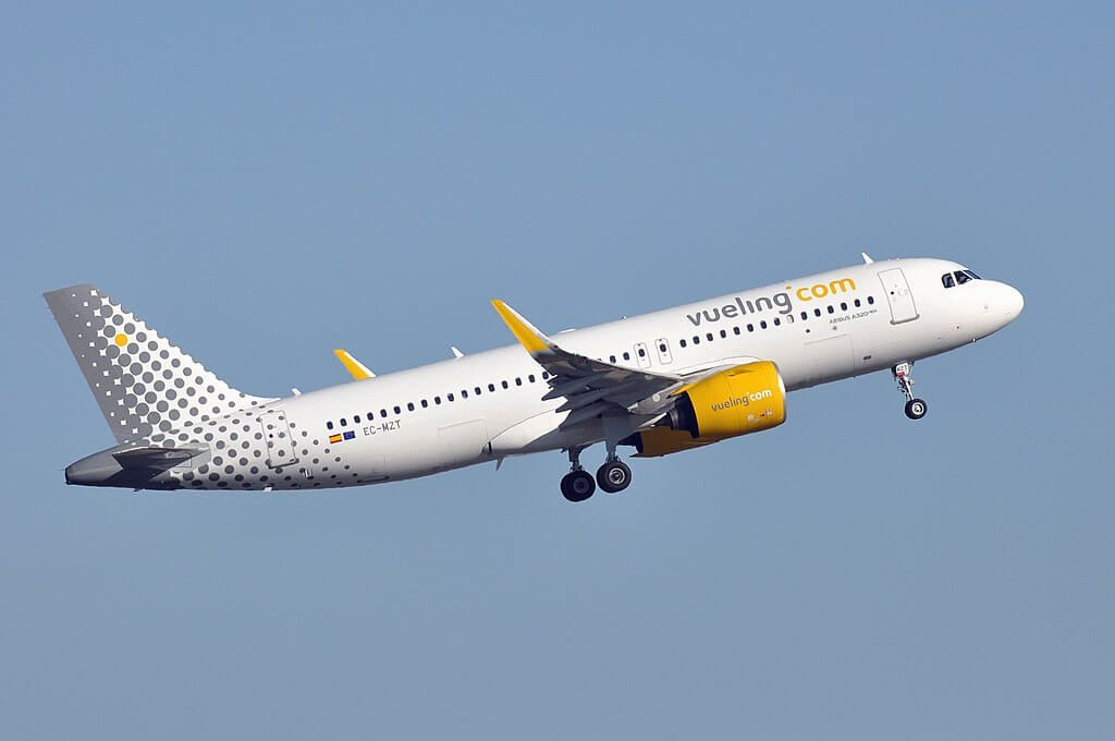 Vueling Airlines Airbus A320 271N EC MZT at Paris Charles de Gaulle Airport