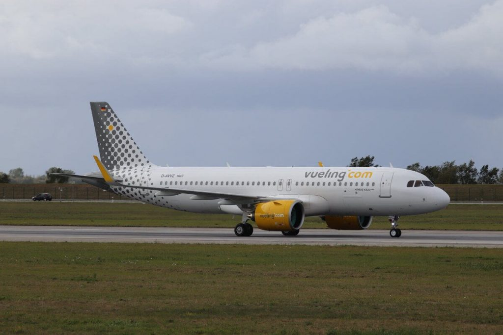 Vueling Airlines Airbus A320 271N EC NAE at Toulouse Blagnac Airport