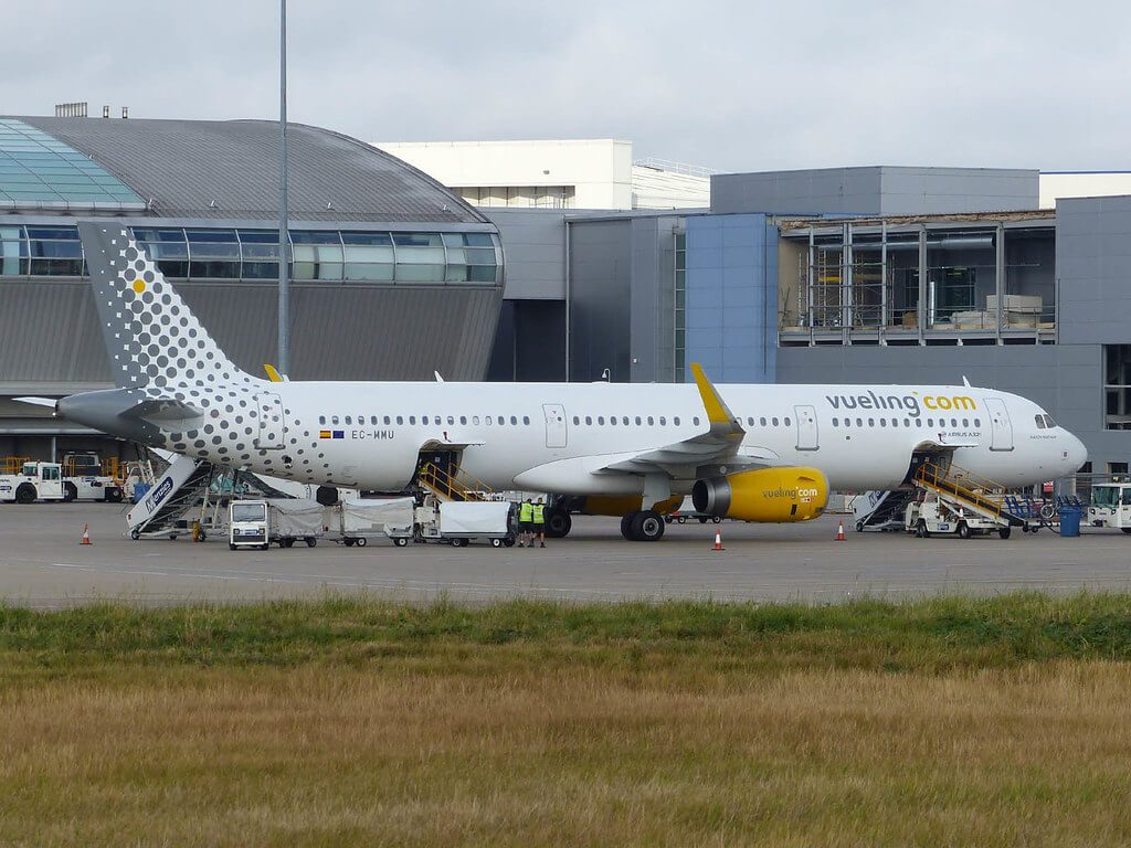 Vueling Airlines Airbus A321 231WL EC MMU at London Luton Airport