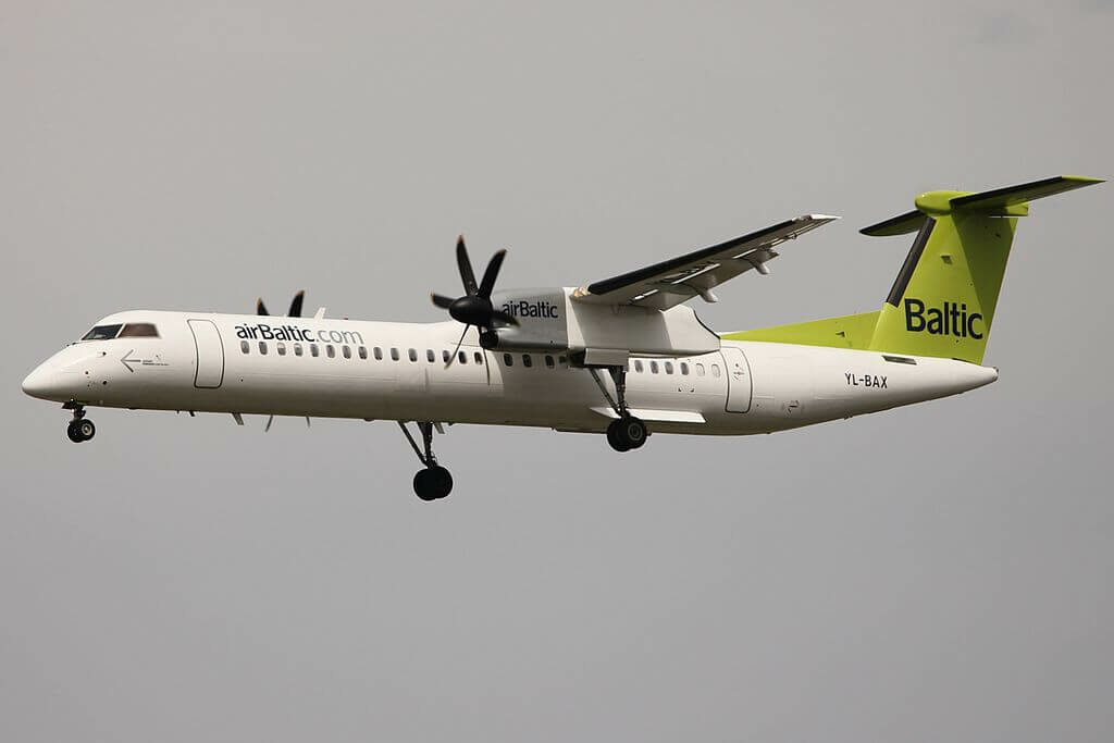 airBaltic Bombardier DHC 8 402Q Dash 8 YL BAX