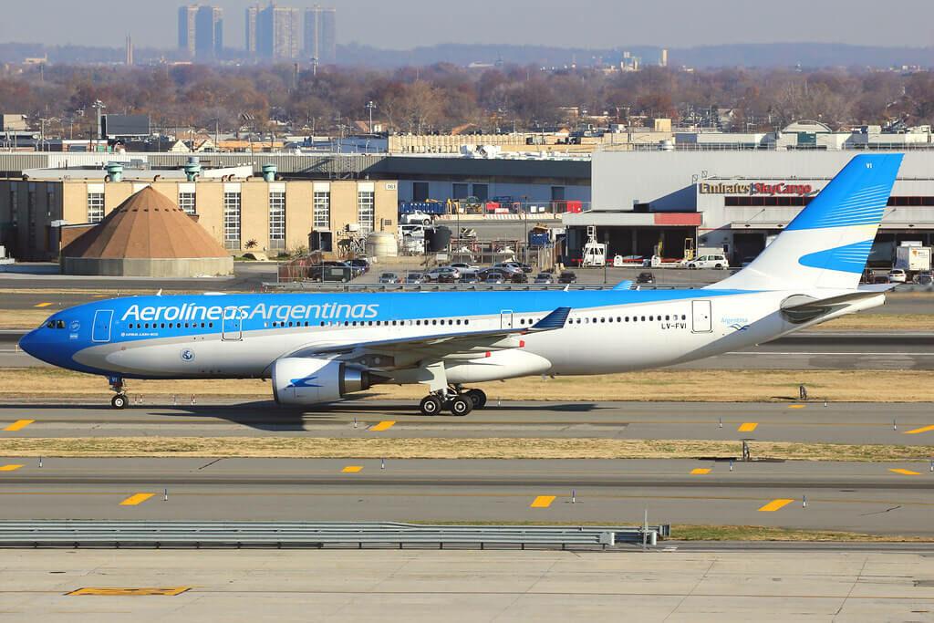 Aerolineas Argentinas Airbus A330 202 LV FVI