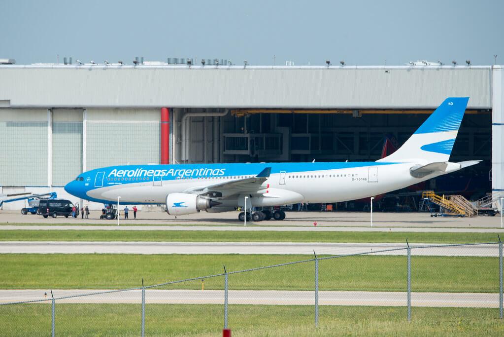 Aerolineas Argentinas Airbus A330 203 LV GKO
