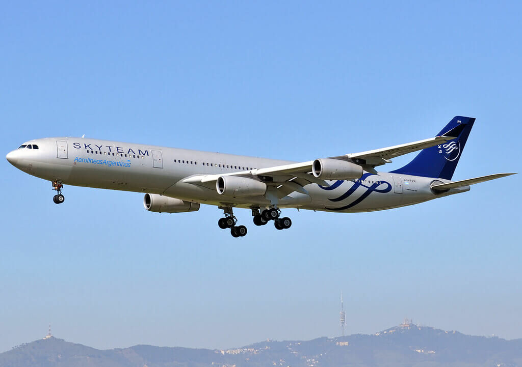 Aerolineas Argentinas Airbus A340 313 LV FPV SKYTEAM Livery at Barcelona Airport