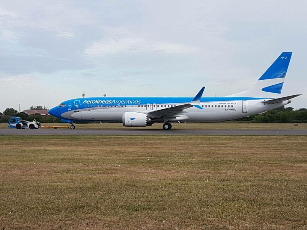 Aerolineas Argentinas Boeing 737 8 MAX LV HKU