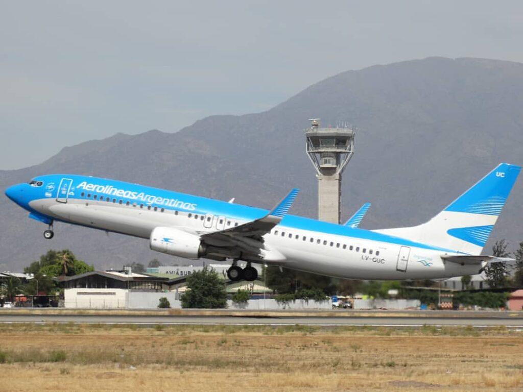 Aerolineas Argentinas Boeing 737 8SHWL LV GUC