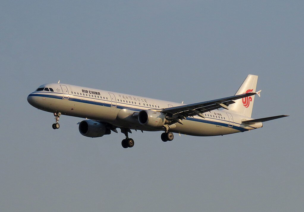 B 1816 Airbus A321 213 Air China at Beijing Capital International Airport