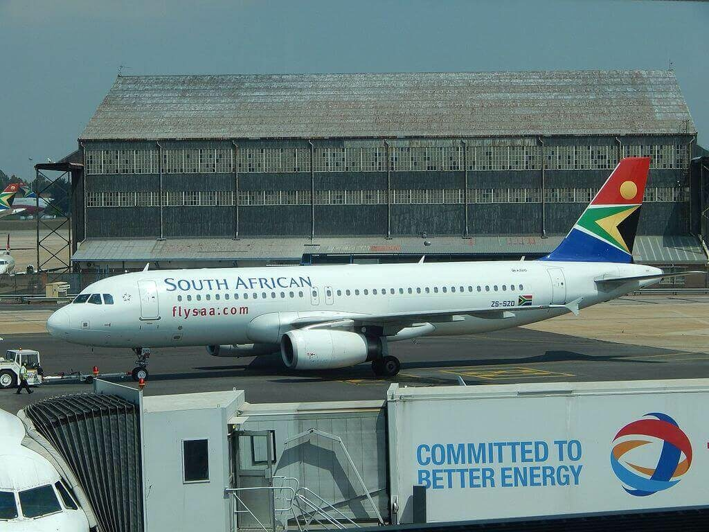 South African Airways ZS SZD Airbus A320 232 at O.R. Tambo International Airport