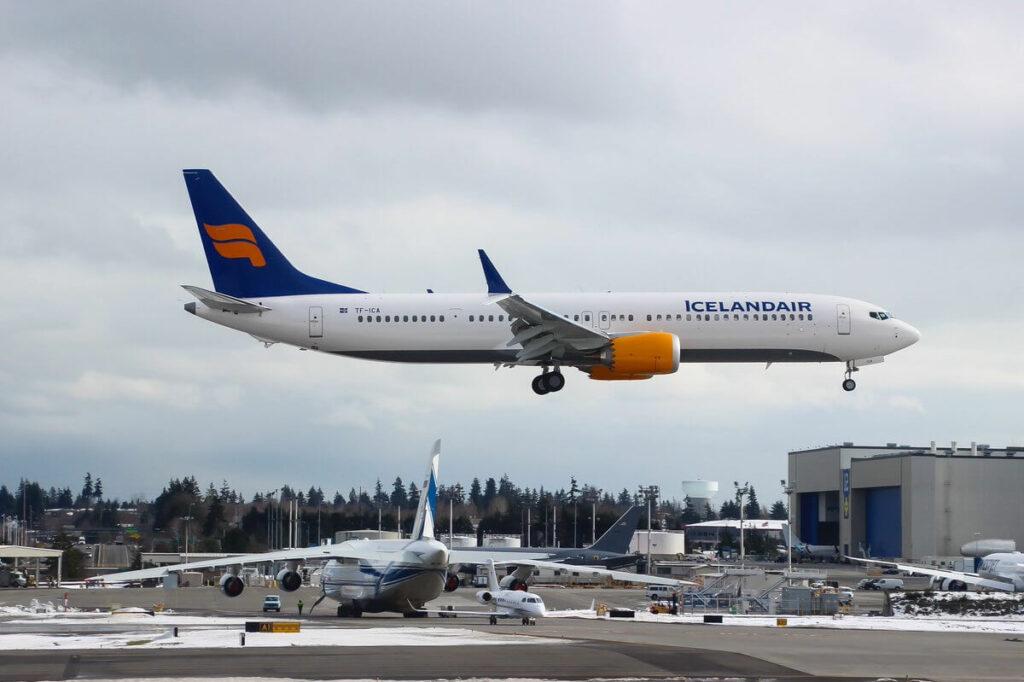 Icelandair TF ICA Boeing 737 MAX 9 Hvítserkur