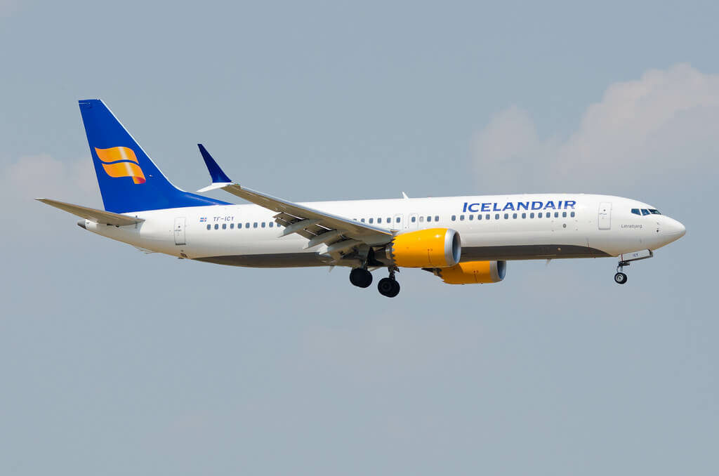 Icelandair TF ICY Boeing 737 MAX 8 Látrabjarg
