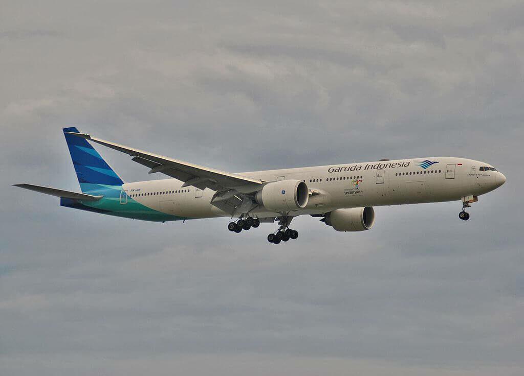 PK GIK Boeing 777 3U3ER Garuda Indonesia at Ngurah Rai Airport