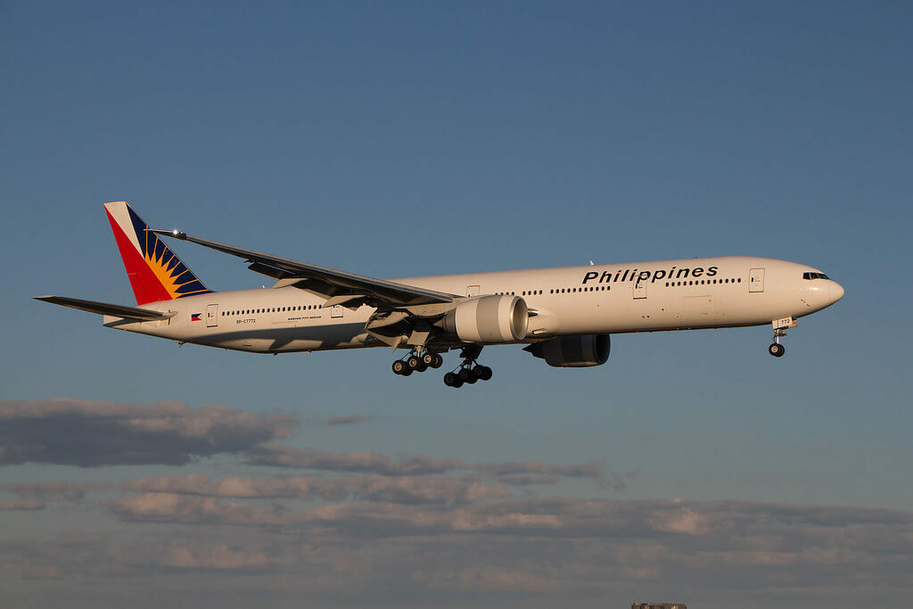 PAL Philippine Airlines RP C7772 Boeing 777 3F6ER at Toronto Pearson Airport