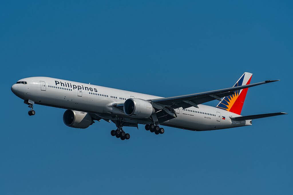 PAL Philippine Airlines RP C7779 Boeing 777 3F6ER at Tokyo International Airport