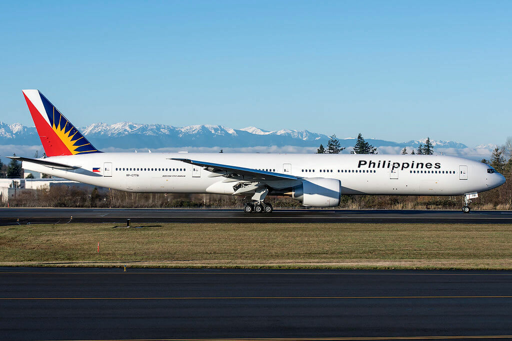 PAL Philippine Airlines RP C7781 Boeing 777 3F6ER at KPAE