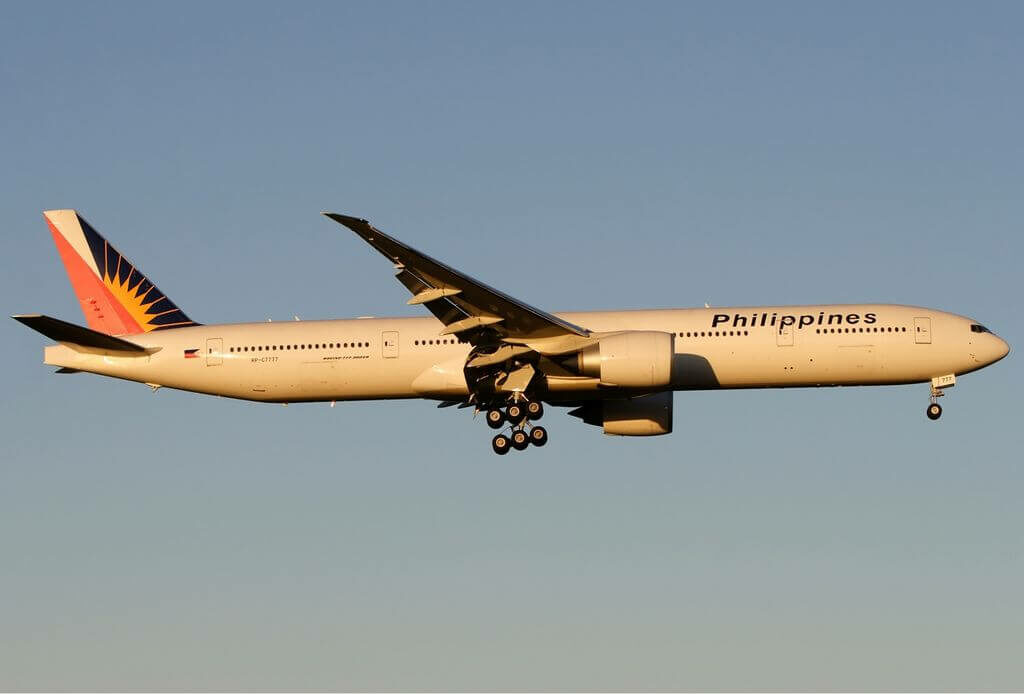 RP C7777 Boeing 777 36NER Philippine Airlines at Melbourne Airport